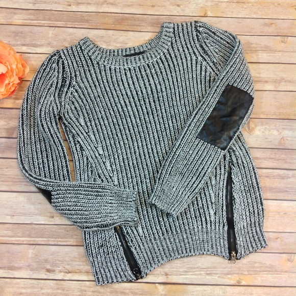 c093402b2 Romeo + Juliet Couture Elbow Patch Chunky Sweater